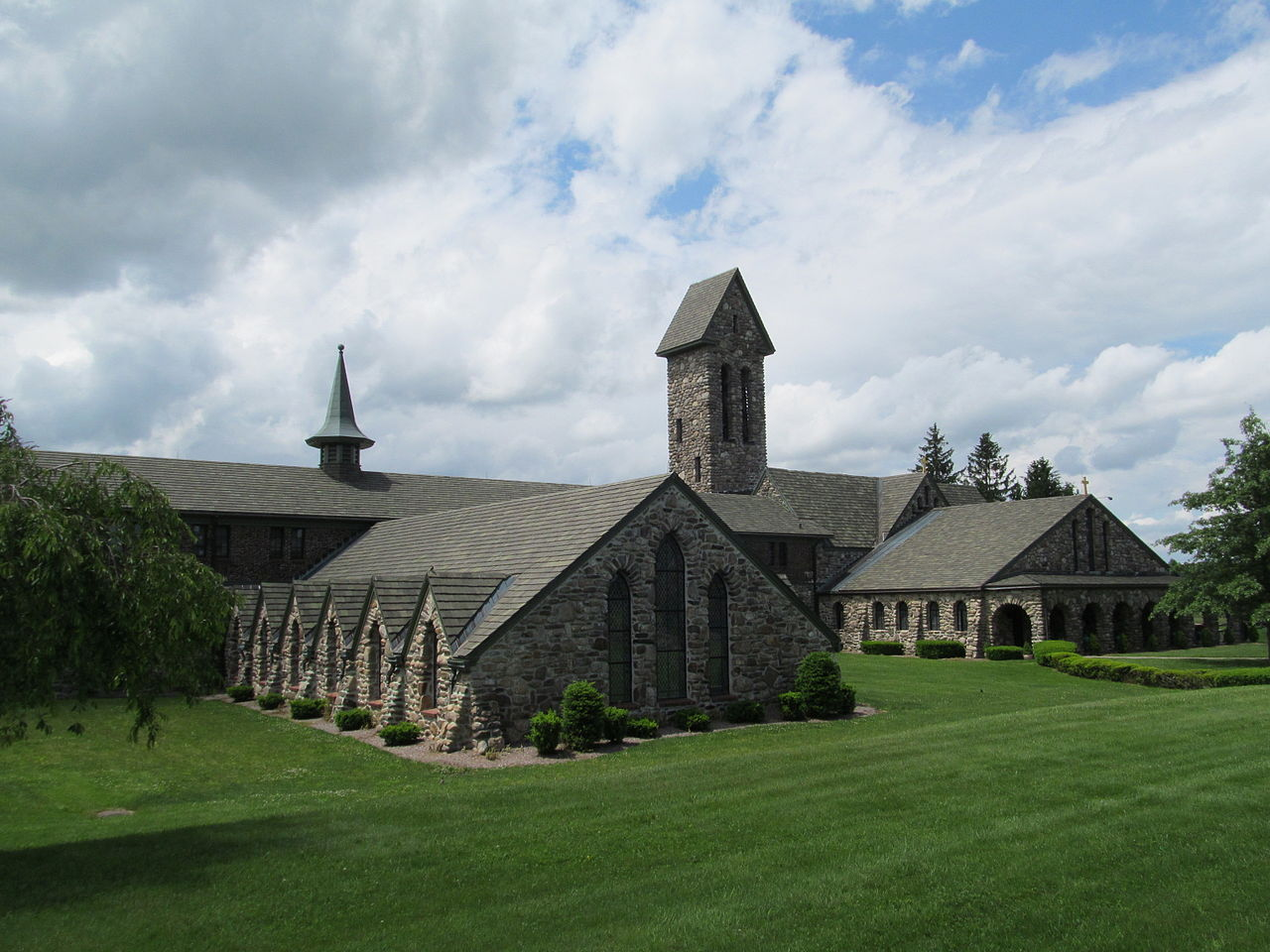 St_Josephs_Abbey,_Spencer_MA.jpg